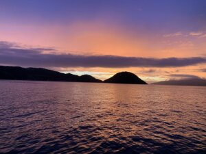 朝焼けと離島